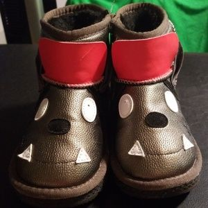 Winter boots kids size 13
